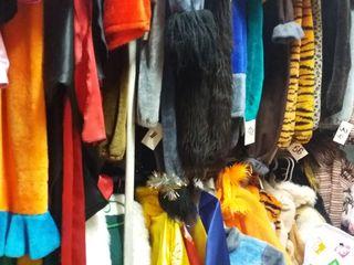 Продаю карнавальные костюмы  400 штук в связи с закрытием