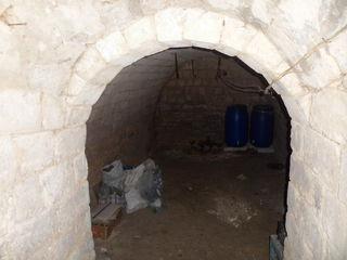 Vind casa 15 chilometri de linga chisinau in satul hrusova ,ciopleni
