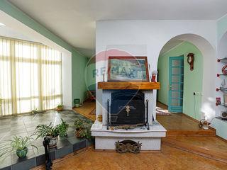 Schinoasa Noua! Casa cu doua nivele + mansarda, 5 camere! 420mp+ 6 ari