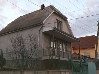 Se vinde casa-dacie.