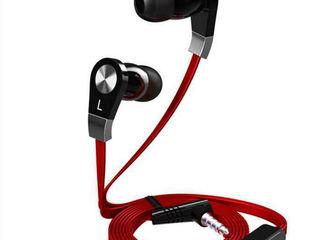 Langston. Плоский кабель.  Подарочная упаковка.  Красные и черные.  Проводные или bluetooth.