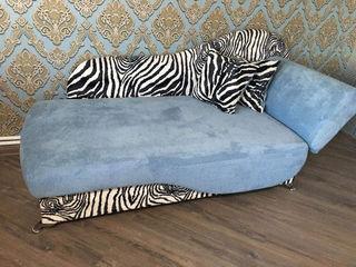 Светлая шикарная кровать! имеет нишу большую ! Идеально подходит для детской !