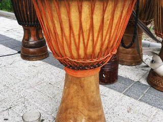 Барабаны ручной работы - шаманские бубны, джембе, тамтамы, бочки / Tobe africane, shamanice
