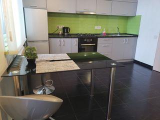 Spre chirie un apartament nou in centrul Chishinau