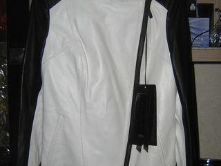 Новая кожаная куртка 2000 лей.