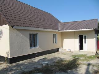 Продаем 1 этажный дом, 100 кв.м. на 6 сотках земли, автономное отопление, евроремонт в г.Бельцы по у