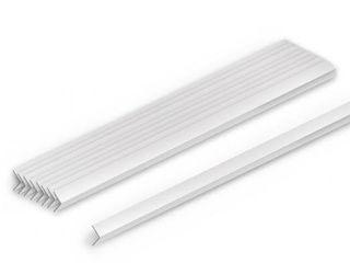 Уголки влагоустойчевые картонные белые и уголки пластиковые.