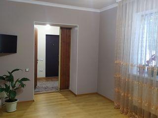 Apartament cu 3 odăi, mobilier și tehnică de uz casnic, primul etaj, intrare separată