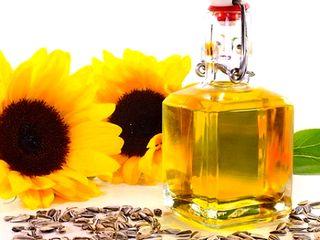 Vand 2 tone de ulei de floarea soarelui, nerafinat!