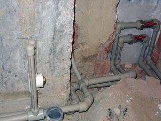 Демонтажные работы, штробовка стен под проводку и кондиционеры.