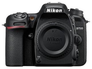 Aparat foto DSLR Nikon D7500 body