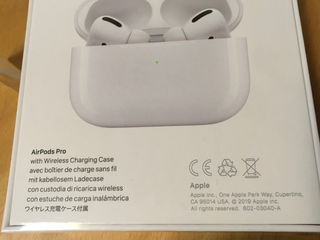 Airpods pro apple // new // unpacked
