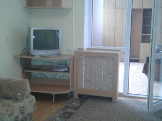 Apartament cu 3 camere și cu logie cu  reparatie