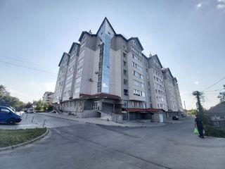 Apartament bilateral cu 2 camere, prima linie, curte privata, 71m2