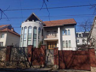 Botanica! Casa cu 3 nivele! 500 m.p. Pret 205 000 €