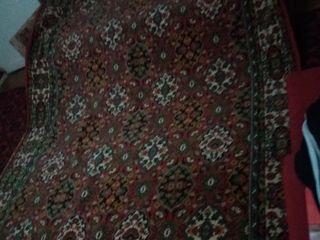 Продаю ковры 2х3  в хорошем состоянии.