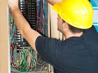 Вызов электрика. Решаю любые проблемы с электричеством. Низкие цены - Бесплатный вызов !!!