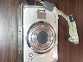 Фотоаппарат Fujifilm FinePix A900 - 200 лей ( в отличном состоянии);