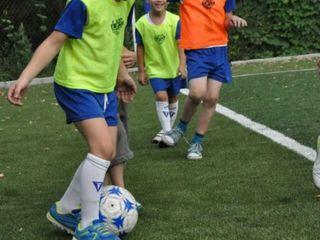 """Școală de fotbal pentru copii """"Sport Land"""" (3-7 ani)"""