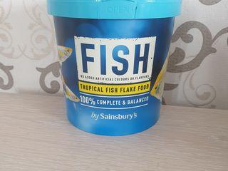 Корм для рыбок в хлопьях