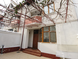 Casă în chirie, str. I. Soroceanu, 950 €