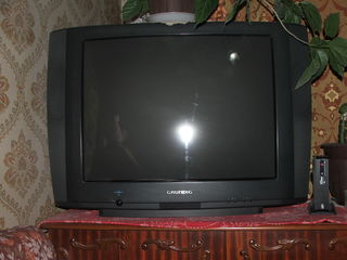 ремонт телевизоров, установка и настройка пульта управления к телевизору на дому,  мастер с большим