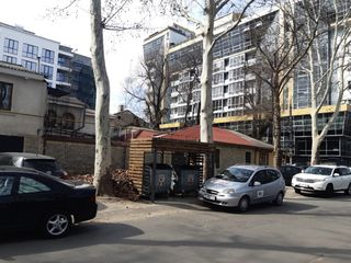 Продается приватизированный участок в Центре Кишинева по улице 31 Августа