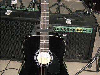 Салон Nirvana предлагает недорогие гитары для обучения !!!