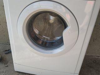 Продам на запчасти стиральную машинку и холодильник