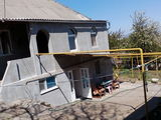 Casa cu 2 nivele, 43000 euro sau schimb pe apartament in chisinau, euroreparatie, toate comoditatile