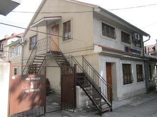 Apartament la sol cu doua nivele centru orasului