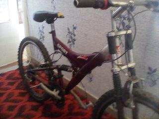 cumpar o bicicleta sportivnaia cu amarcizator in stari normala diametru 20