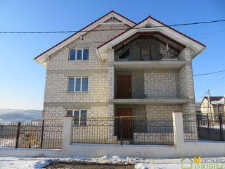 Casa 200 m2 in zona buna din com. Gratiesti