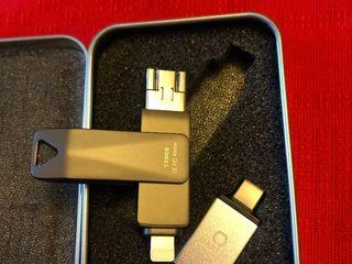 Qarfee universal flash drive 128 gb ios/android/pc,usb 3.0, nou sigilat.