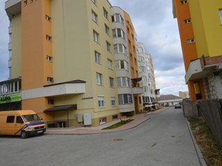 Urgent apartament cu 2-odai (novostroi) et.4 din 7.+ garaj capital cu subsol.