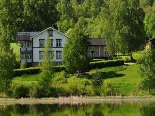 Куплю ровный участок с красивым видом в радиусе 30км от Кишинёва желательно возле озера