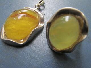 Изделия из серебра,янтарь.