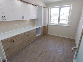 Apartament cu 3 camere! Euroreparație! str. I. Creangă!