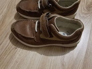 Туфли Clark's 31р кожа,состояние супер одели пару раз.300 лей
