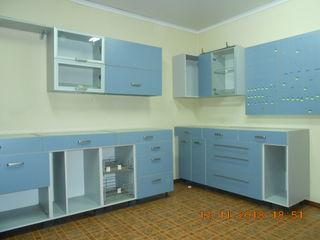 Распродажа мебели для магазина - витрины и шкафы