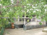 Продается дом в с.пражила,мебилирован,отд. колодец во дворе, гараж, двор цементирован