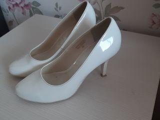 Vind pantofi de nunta