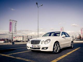 Mercedes E Class - elegant, confortabil si doar 50€ pe toata ziua