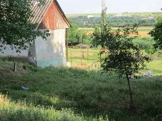Vind teren sub constructii + casa batrineaska 14 km de la oras urgent