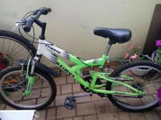Vind o bicicleta azimut pentru copii