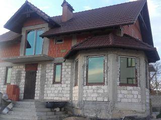 Casa -10 km de la Chisinau-  in Budestii Noi.