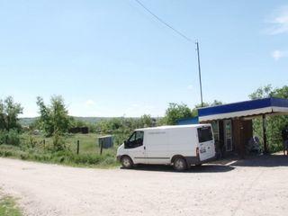 продается земельный участок площадью 60 кв м вместе с двумя киосками