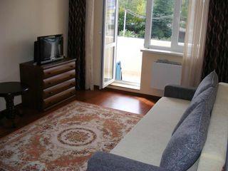 Apartament cu 2 odai in bloc nou cu euroreparatie 350 euro/luna
