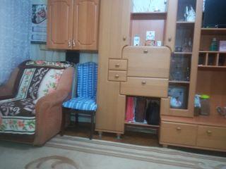 Сдаю комнату только девушкам ,не дорого.700 lei +