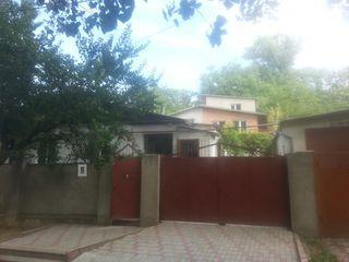Сдаю дом 83м2 большой двор 200 € ул Ник Григореску